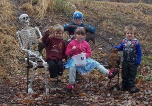 skeleton-with-kids