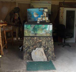 fossil-barn-front-aquarium